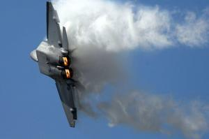 F-22 Raptor tight turn