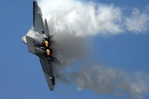 F-22 Raptor tight turn