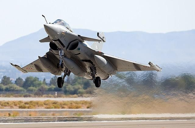 French Air Force RAFALE fighter aircraft takeoff